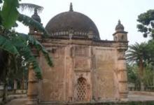 ৬০০ বছরের পুরনো ঘাঘড়া খান বাড়ি মসজিদ