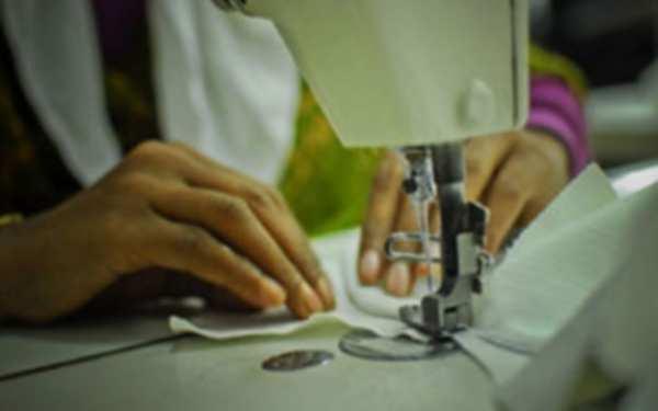 Photo of পোশাক শ্রমিকদের উপযুক্ত মজুরি না দিয়ে উন্নয়নশীল দেশের স্বীকৃতি লজ্জার বিষয়
